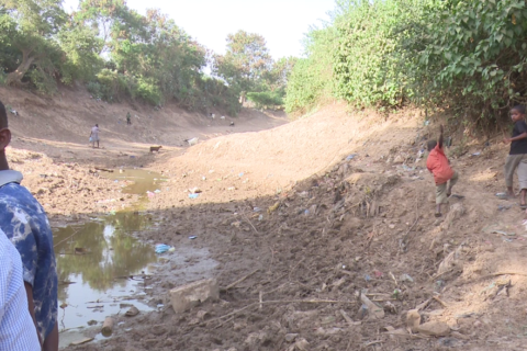 Sections of River Shabelle in Afgooye have now dried up plunging farmers into food crisis as harvests fail. Photo: Goobjoog News|Jan 22, 2017