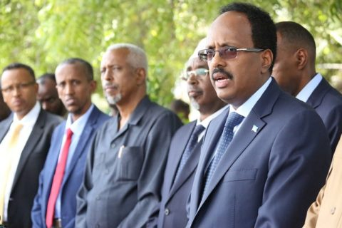 President Mohamed Farmaajo (R) with state leaders in a press conference after the conclusion of a three days meeting in Mogadishu. The leaders agreed on the formation of a national security architecture. Photo: Goobjoog News|April 16, 2017